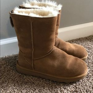 Gently used, great condition, brown Uggs